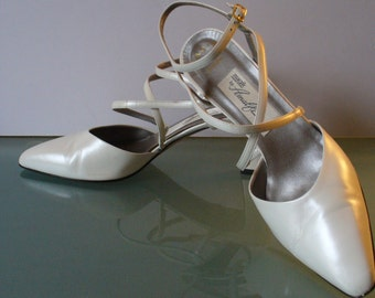 Amalfi Handmade in Italy Pearlescent White Dress Shoes Size 7.5