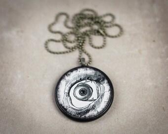 Human Eye Necklace - Anatomy Pendant Eyeball Necklace