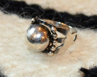 Vintage Mid Century Sterling Silver Sphere Ring size 6