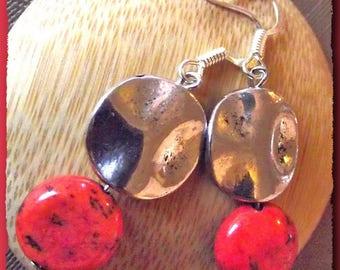 Sleeper loop ear Howlite red & silver earring