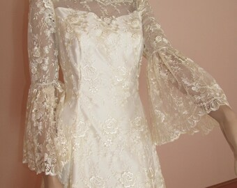 70's Vintage Wedding Dress with Train -  Lace wedding dress – Long lace sleveels dress -