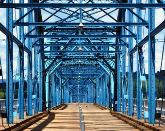 Walnut Street Bridge , Chattanooga Tennessee