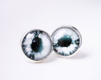 Eye earring studs