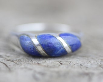 Small and Light 925 Ridged Shaped Band Design Silver Ring Set with Blue Stones  US size 6.75 UK size N