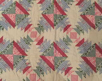 Vintage Estate Quilt Lovely Bright Colorful Pattern Hand Quilted