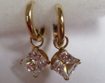 14 K Gold earrings with zirconias