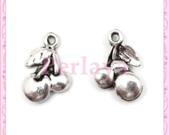 Set of 30 silver cherry charms REF430