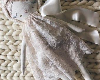Elaine Sparkle Heirloom Collection Doll