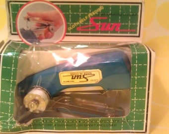 Handheld Sewing Machine - Vintage Mini Chain Stitch Machine