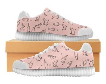 Catty fraise | LED Light Up chaussures | Enfants garçons filles tailles | Tige extensible haute | Semelle intérieure en tissu | Recharger | Choisissez noir ou blanc garniture