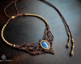 Blue quartz. macrame. macrame necklace . bohochic. bohemian. choker . quartz. hippiechic. jewelry. macrame jewelry. ethnic