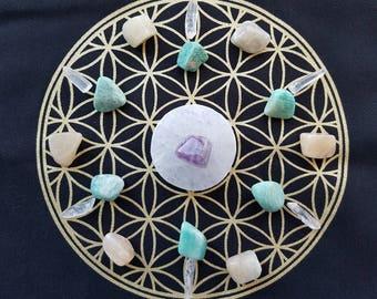 Flower Of Life Grid Set: 1x Selenite Plate, 1x Rainbow Fluorite, 6x Amazonite, 6x Moonstone, 6 Quartz Points, 1x Cotton Cloth Grid