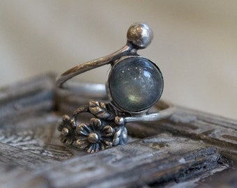 Labradorite ring, gemstone boho ring, thin silver band, floral ring, unique ring for her, dainty ring, bohemian ring, boho - Intricate R2262