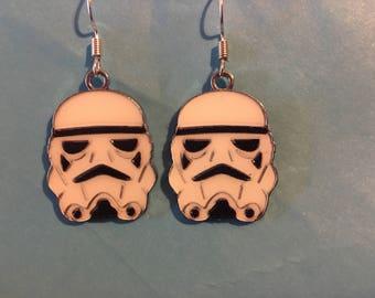 Storm Trooper Star Wars Earrings    Q29