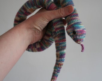Muted rainbow rattlesnake (knitted)