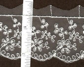 Vintage floral embroidered Ivory lace trim 7yds  (3171)