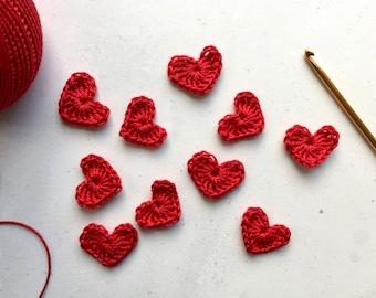 Red crochet hearts -  red crochet flowers - valentines hearts - Crochet applique hearts - Crochet appliqué flowers - Scrapbooking hearts