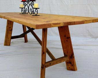 Rustic Farmhouse Table made with Reclaimed Wood ( local pick up or delivery only Please )