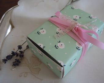 Pink and Mint Message Box