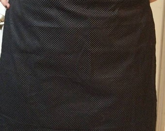 Polka dot half apron