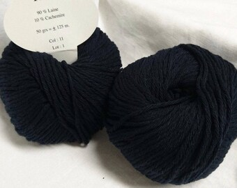 10 balls /marine/ wool and cashmere made in FRANCE