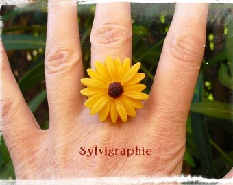 Yellow Daisy ring