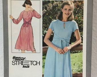 """Vintage 70s Simplicity 8413 Misses Knit Pullover Dress Sewing Pattern Size 12 14 16 Uncut Factory Folded  Bust 34 - 38"""" Comfortable Style"""