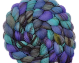 Hand dyed roving - 21.5μ Merino wool combed top spinning fiber - 4.2 ounces - Masterly