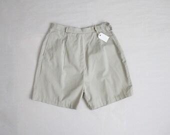 1950s shorts / vintage 50s shorts / beige shorts