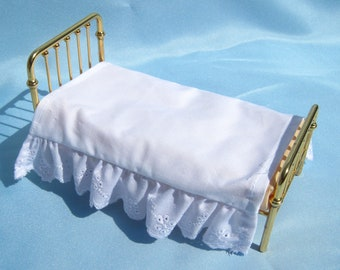 Dollhouse Bed Skirt Miniature Bed Ruffle White Bed Skirt Twin Size Mini Bed Ruffle 12th Scale Dollhouse Dust Ruffle Small Doll Bedding
