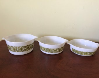 Three Verde Green Pyrex Small Casserole Dishes