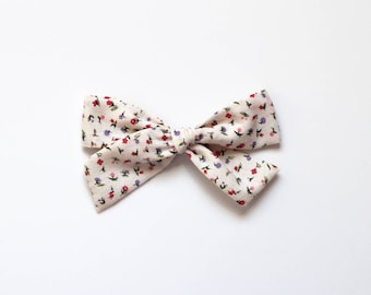 "Oversized Classic Style Bow - Vintage Fabric -  ""Blossom"""