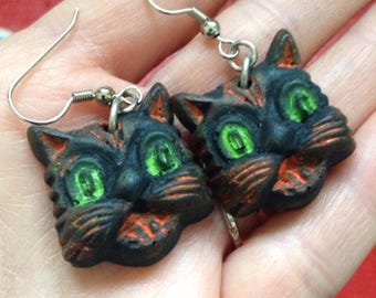 EARRINGS - CATS Halloween - Novelty Jewelry Costume - Resin Plastic Fakelite Retro Primitive