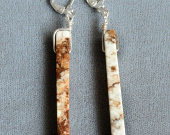 Thin-columned Stone Dangling Earrings