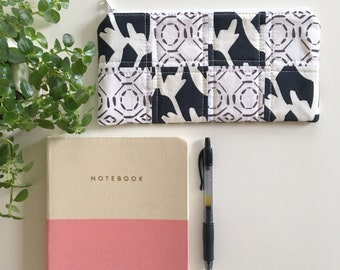 zippered pouch- black and white