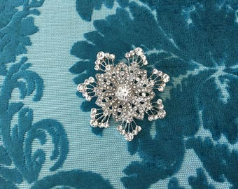 Snowflake Brooch.Silver Snowflake Brooch.Rhinestone Brooch.Crystal Brooch.Snowflake Broach.Snowflake Pin.Wedding Accessory.Silver Brooch