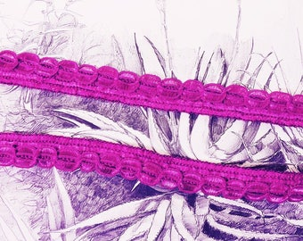 """Embroidered lace with reliefs """"Violeta"""""""