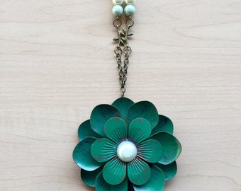 Distressed Flower Pendant Necklace