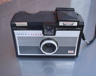 Awesome vintage Imperial 126 film camera