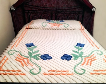 Full Size 1950s Vintage Chenille Bedspread