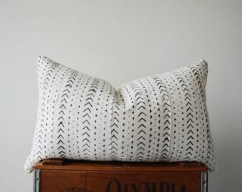 THE BENNINGTON 24X14 African Mud Cloth Pillow Cover