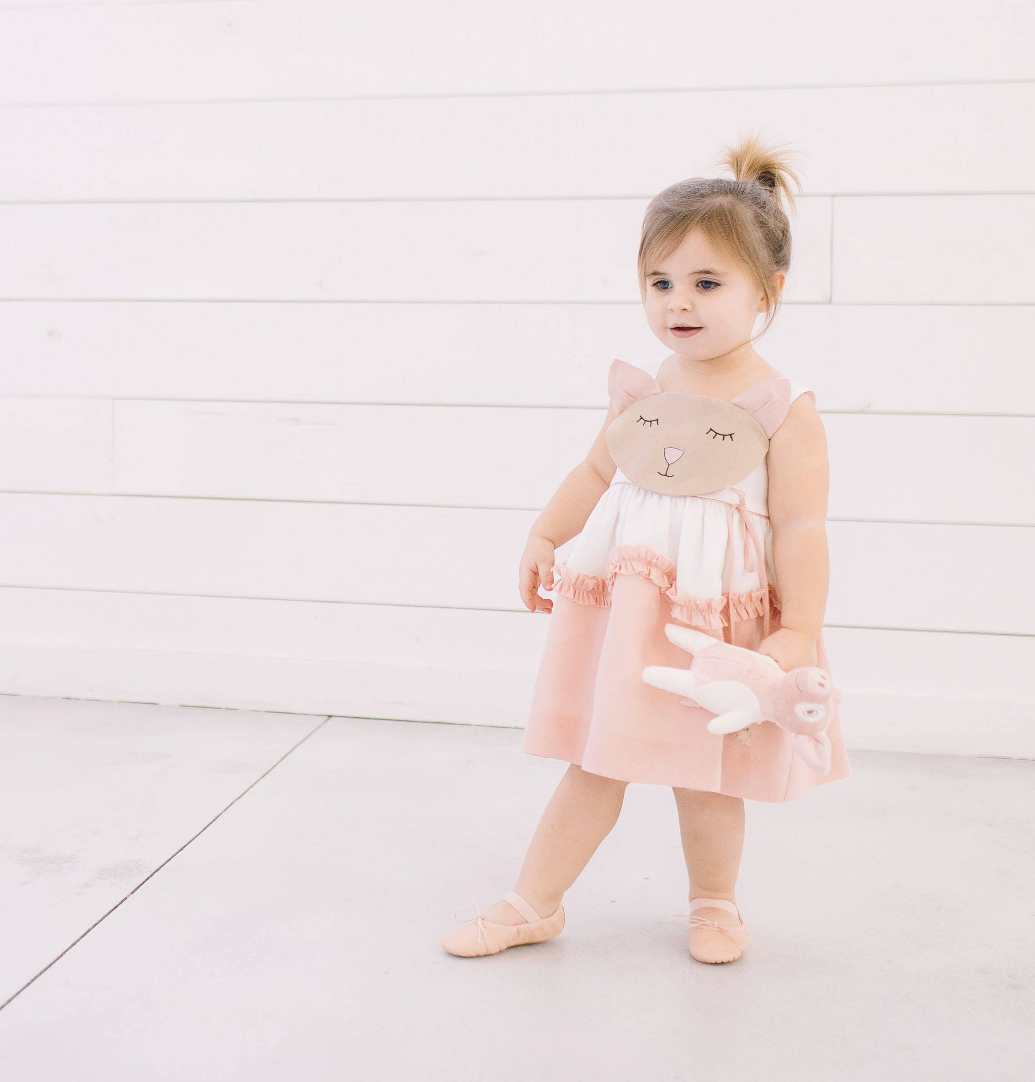 Kleid des Mädchens rosa Leinen Katze / / Katze und Maus