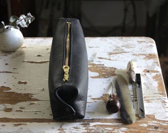 Black leather pencil case, black leather case, black leather bag, leather toiletry bag, leather pouch, cosmetic case, travel bag, for her