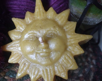 Pure Beeswax Sun Floating Candle