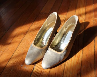 Vintage Gold Pumps Shimmery Slip on Low Heel Lord and Taylor