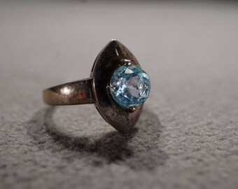 Vintage Sterling Silver Band Ring Round Prong Set Blue Topaz, Size 6