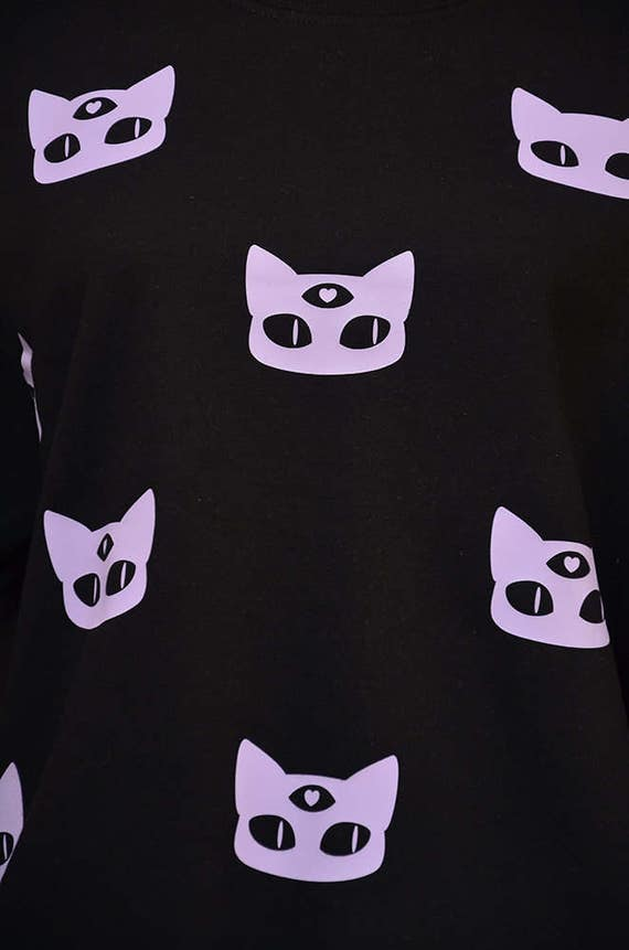 kawaii pastel goth lilac and black baggy sweater - cute three eyed wiccan cat print - warm gothic oversize alien cat jumper XAjHV