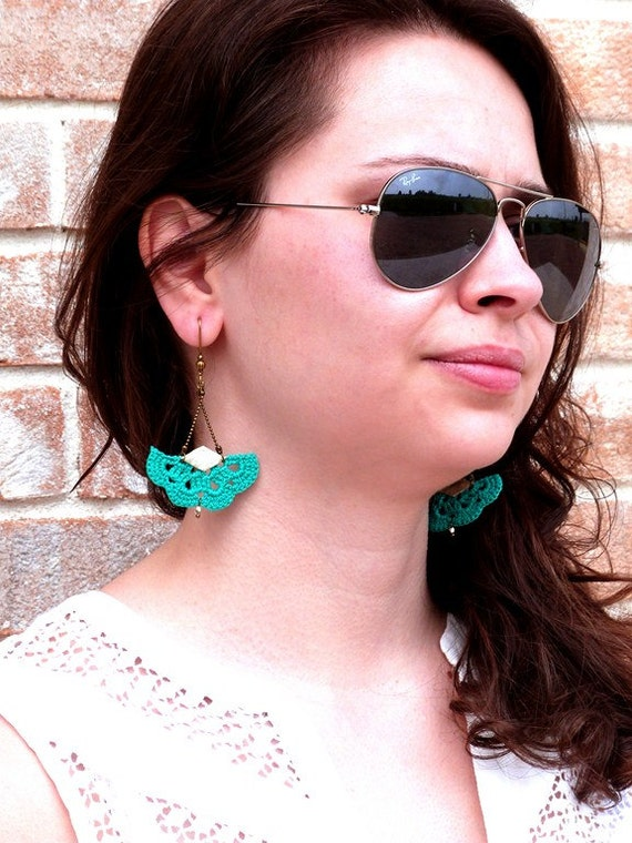 "AEMULA emerald green earrings / gold - fan leather hook - jewelry Boho hippie wedding / everyday - ""Gypsy Chic"" Collection"