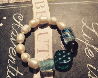 big pearls and multi color beads bracelet