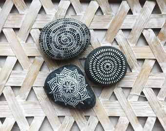 Mandala stones / boho / decoration / mandala / handmade / home decor / crafts / mandala art / interior / bohemian